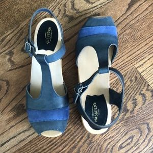 Swedish Hasbeens 90's T-Strap Wedge Blue Nubuck